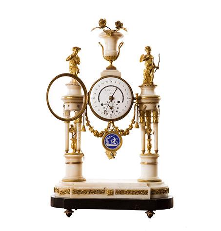 pendule-d'époque-Louis-XVI